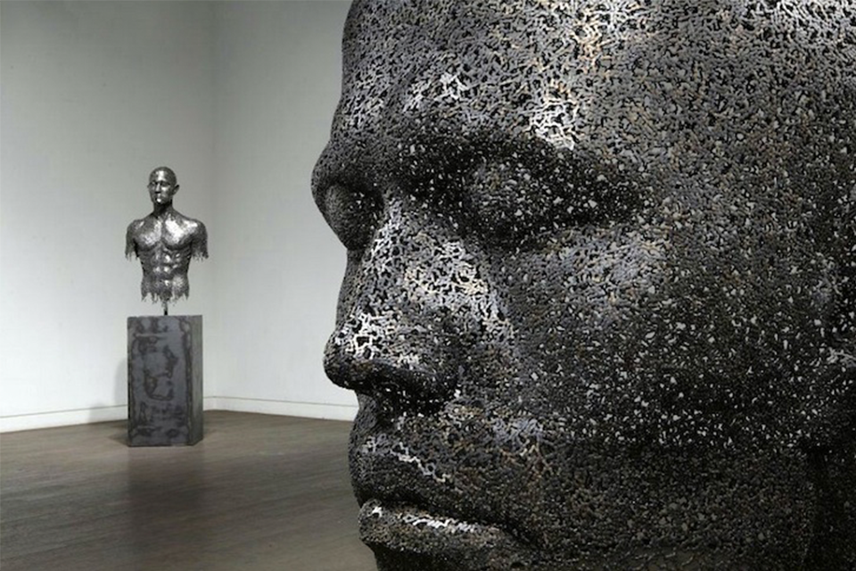 Human sculpture made from used bicycle chains