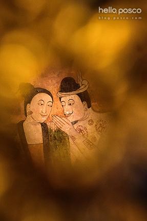 타이루족(북부 소수민족 중하나) 화가가 그린 내부 벽화