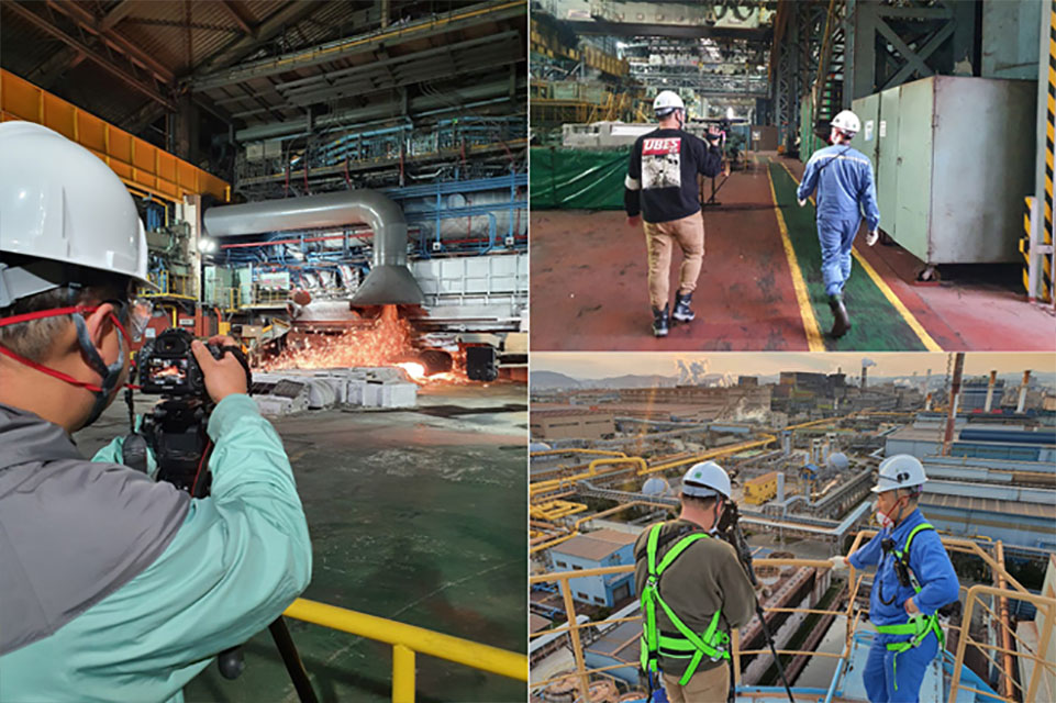 4월 24일 KBS1TV 《다큐멘터리 3일》에 소개된 포항제철소의 72시간. (왼쪽)안전모를 쓴 직원이 사진 촬영을 하는 모습. (오른쪽 위)2명의 직원이 공장을 걸어가는 뒷모습. (오른쪽 아래) 2명의 직원이 공장 야외 촬영을 하고 있는 모습.