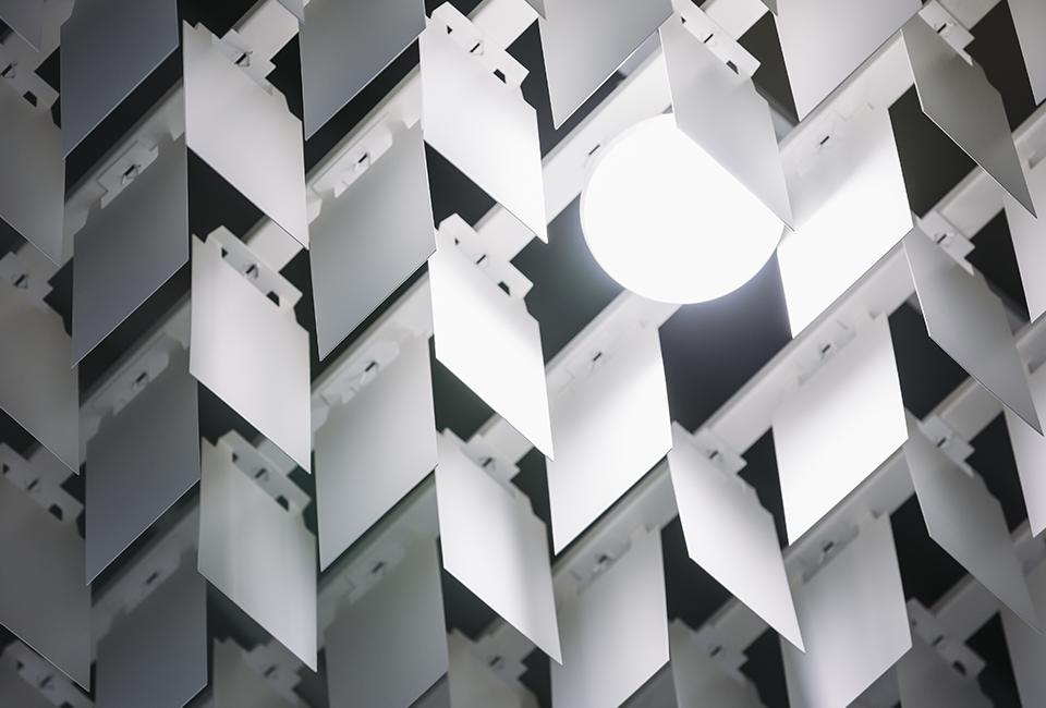 포스코 더샵갤러리 내부에 쓰인 스틸 키네틱 벽